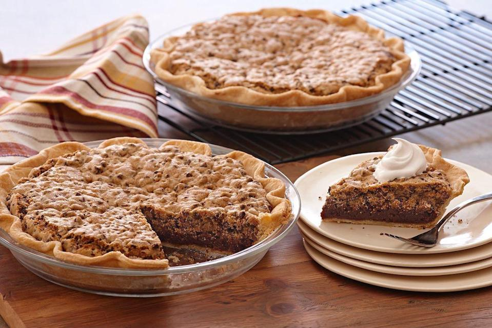 """<p>If it's usually hard for you to make up your mind about which desserts to have, then why not enjoy three in one? This chocolate mint crownie pie will be a joy to bake whether <a href=""""https://www.thedailymeal.com/cook/genius-hacks-amateur-baker?referrer=yahoo&category=beauty_food&include_utm=1&utm_medium=referral&utm_source=yahoo&utm_campaign=feed"""" rel=""""nofollow noopener"""" target=""""_blank"""" data-ylk=""""slk:you're an amateur baker"""" class=""""link rapid-noclick-resp"""">you're an amateur baker</a> or an expert — its name comes from the fun combination of brownie, chocolate chip cookie and pie.</p> <p><a href=""""https://www.thedailymeal.com/recipes/chocolate-mint-crownie-pie-recipe?referrer=yahoo&category=beauty_food&include_utm=1&utm_medium=referral&utm_source=yahoo&utm_campaign=feed"""" rel=""""nofollow noopener"""" target=""""_blank"""" data-ylk=""""slk:For the Chocolate Mint Crownie Pie recipe, click here."""" class=""""link rapid-noclick-resp"""">For the Chocolate Mint Crownie Pie recipe, click here.</a></p>"""