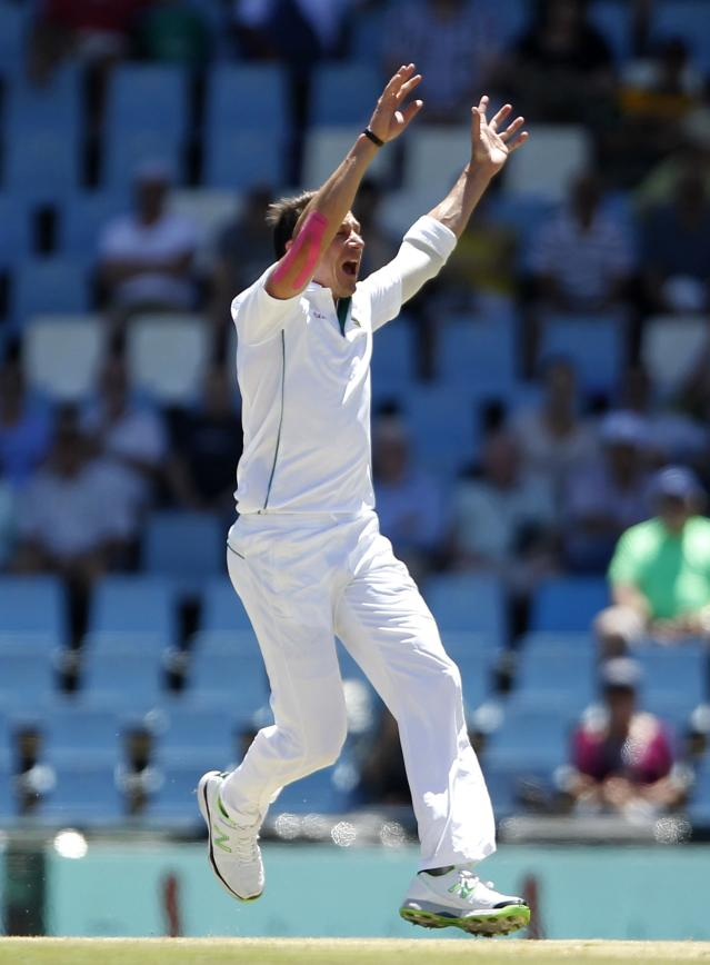 South Africa's Dale Steyn appeals unsuccessfully during the first day of their cricket test match against Australia in Centurion February 12, 2014. REUTERS/Siphiwe Sibeko (SOUTH AFRICA - Tags: SPORT CRICKET)