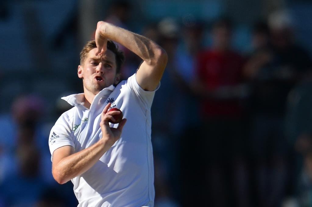 England's Chris Woakes bowls against Pakistan at The Oval in 2016 (AFP Photo/GLYN KIRK                           )