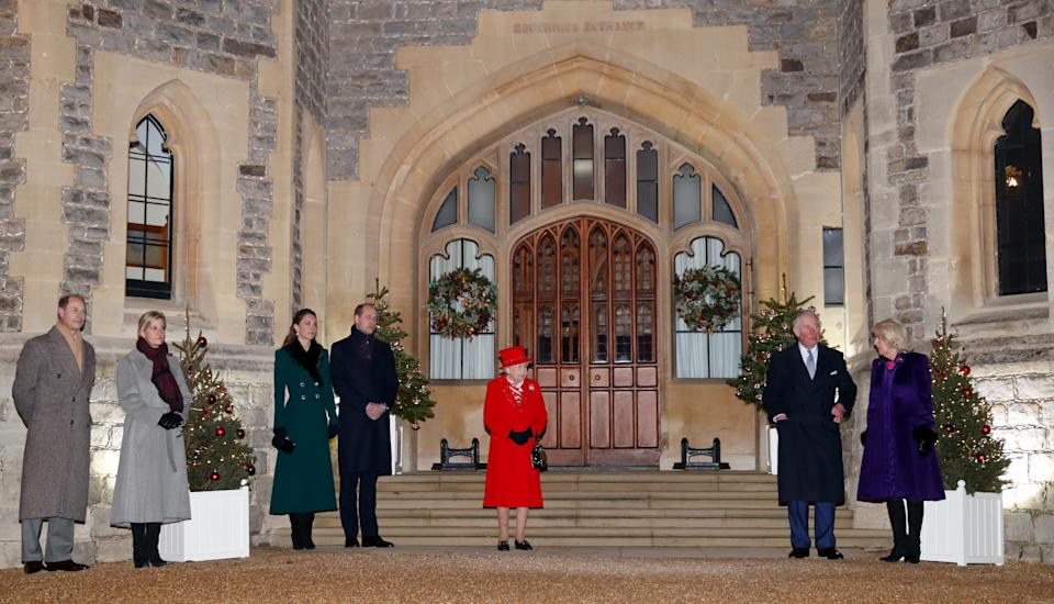 WINDSOR, UNITED KINGDOM - DECEMBER 08: (EMBARGOED FOR PUBLICATION IN UK NEWSPAPERS UNTIL 24 HOURS AFTER CREATE DATE AND TIME) Prince Edward, Earl of Wessex, Sophie, Countess of Wessex, Catherine, Duchess of Cambridge, Prince William, Duke of Cambridge, Queen Elizabeth II, Prince Charles, Prince of Wales and Camilla, Duchess of Cornwall attend an event to thank local volunteers and key workers from organisations and charities in Berkshire, who will be volunteering or working to help others over the Christmas period in the quadrangle of Windsor Castle on December 8, 2020 in Windsor, England. During the event members of the Royal Family also listened to Christmas carols performed by The Salvation Army Band. (Photo by Max Mumby/Indigo - Pool/Getty Images)