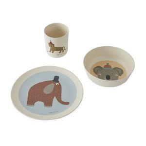 "<p><strong>OYOY Mini</strong></p><p>minifili.com</p><p><strong>£24.00</strong></p><p><a href=""https://www.minifili.com/collections/tableware/products/hathi-bamboo-tableware-set"" rel=""nofollow noopener"" target=""_blank"" data-ylk=""slk:Shop Now"" class=""link rapid-noclick-resp"">Shop Now</a></p><p>Create a fun eating experience with these bamboo tableware pieces that incorporate learning. </p>"