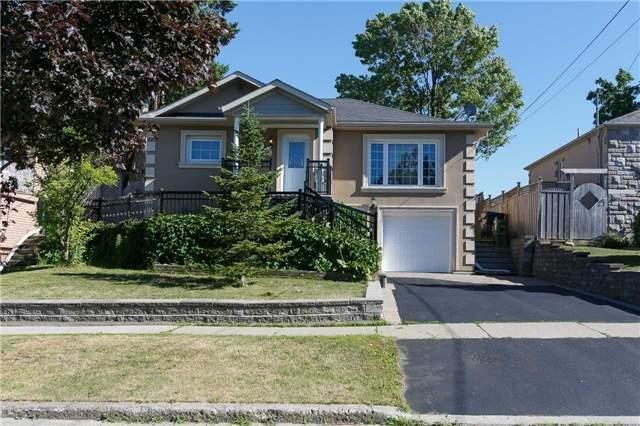 "<p><a rel=""nofollow"" href=""https://www.zoocasa.com/toronto-on-real-estate/5486975-31-gracefield-ave-toronto-on-m6l1l2-w4206168"">31 Gracefield Ave., Toronto, Ont.</a><br />Location: Toronto, Ontario<br />List Price: $999,900<br />(Photo: Zoocasa) </p>"