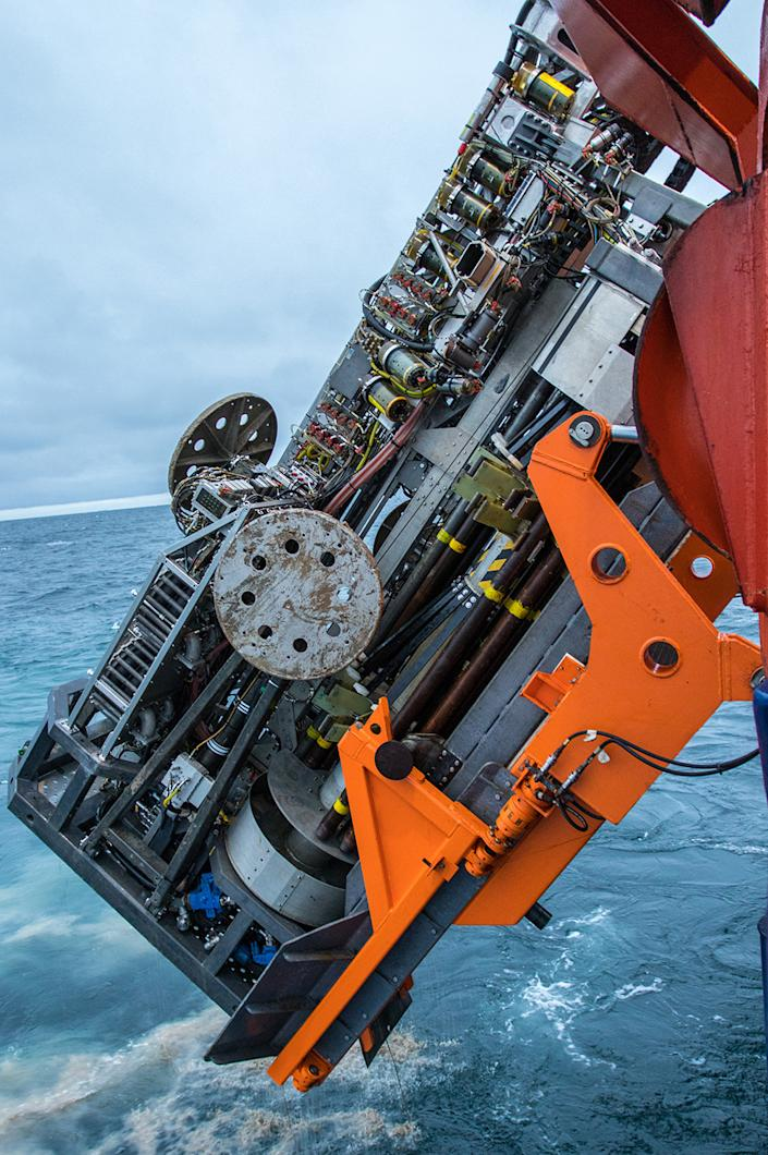 The MeBo drill system was lowered to the ocean floor, 1,000m below the water surface