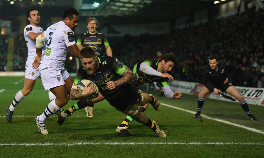 Northampton Saints v ASM Clermont Auvergne - European Champions Cup - JANUARY 13: Teimana Harrison of Northampton Saints scores a try at Franklin's Gardens