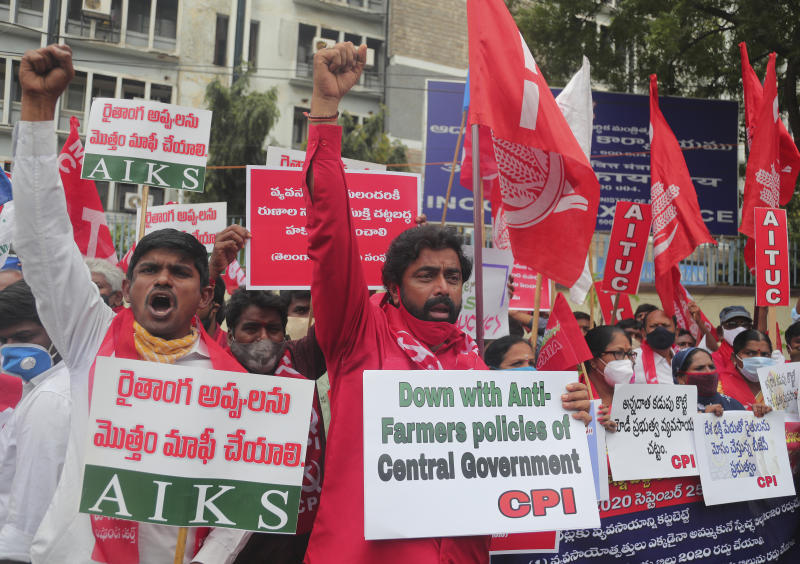 Indian farmers protest, fear exploitation by private players