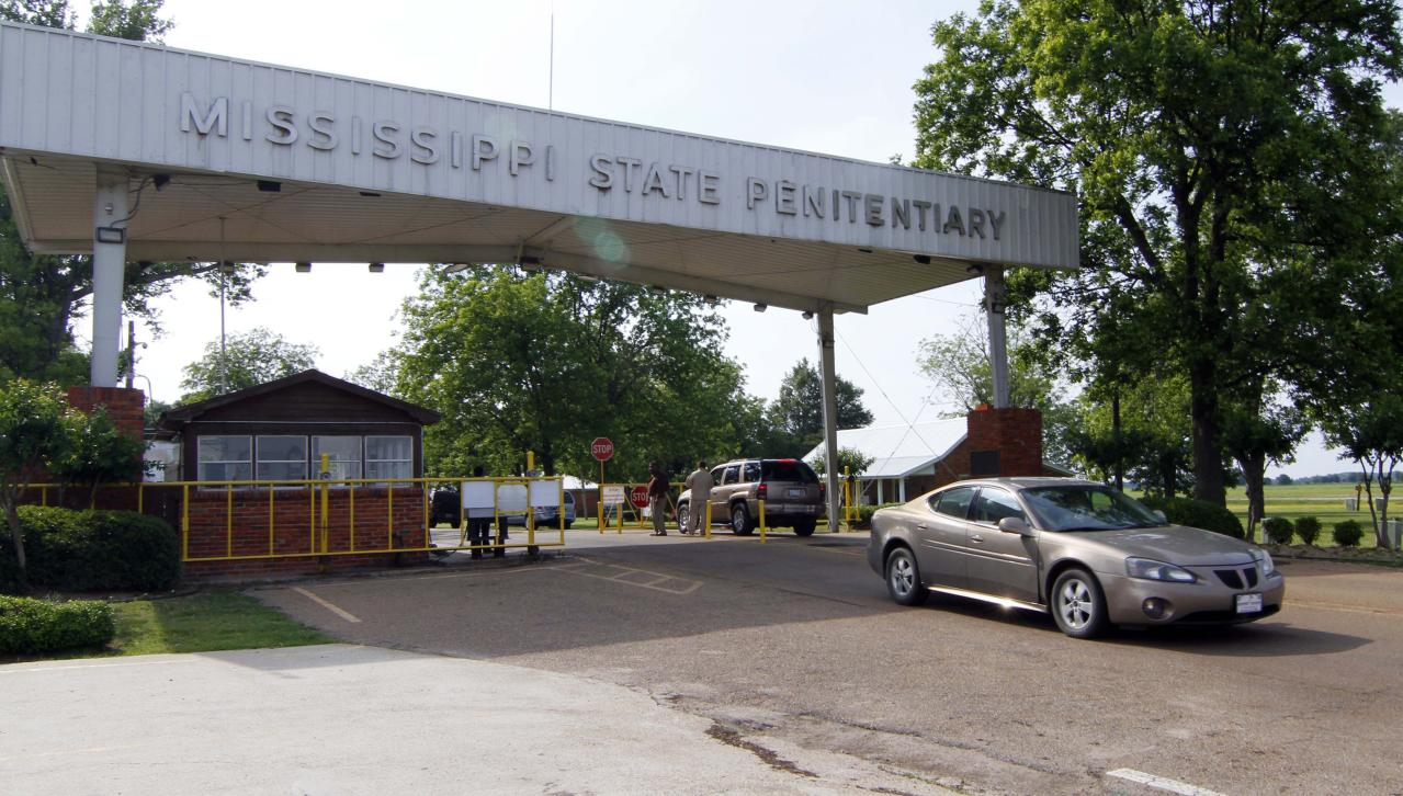 5 Inmates Have Been Killed in at Mississippi Prisons This Week. Here's What to Know