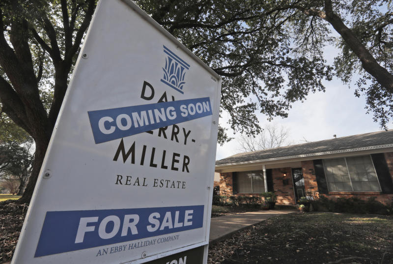 Home sales fall 4.9% in slow start to spring buying season