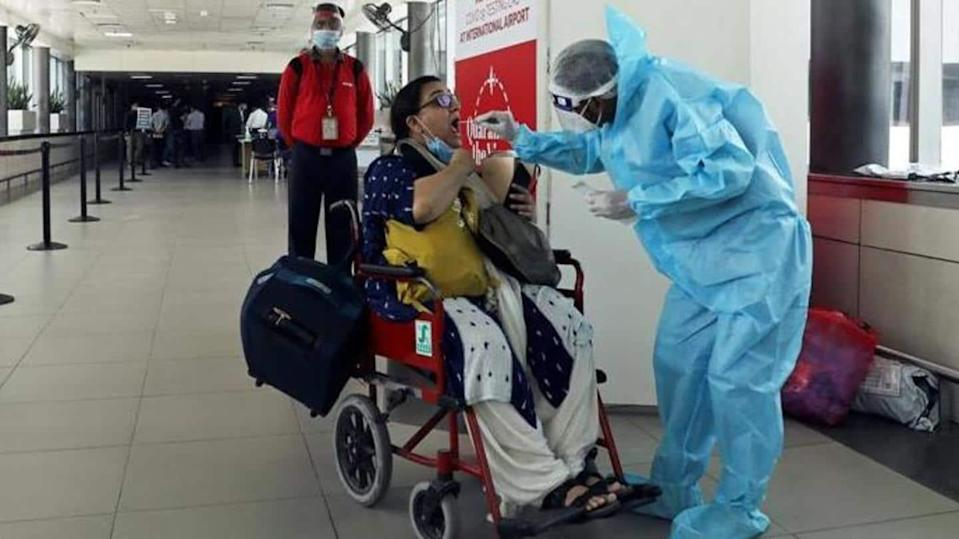 Delhi Airport to conduct random COVID-19 tests from today