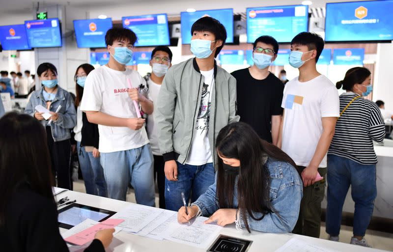 China expands state jobs for graduates as coronavirus hits private sector