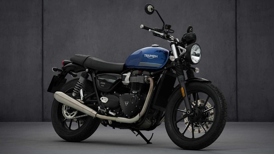 Cast aluminium wheels and a new seat are key additions for the 2021 Triumph Street Twin. Image: Triumph Motorcycles