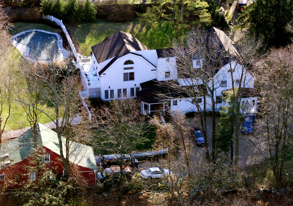 The Clintons' Chappaqua, N.Y., home. (Photo: Mike Segar/Reuters)