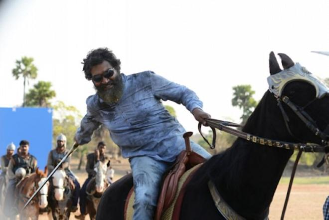 SS Rajamouli on Baahubali set