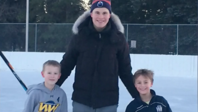 "Cold weather, warm smiles. ( <a href=""https://edmonton.ctvnews.ca/two-young-oilers-fans-get-dream-game-on-outdoor-rink-1.3764536"" rel=""nofollow noopener"" target=""_blank"" data-ylk=""slk:CTV News"" class=""link rapid-noclick-resp"">CTV News</a>)"