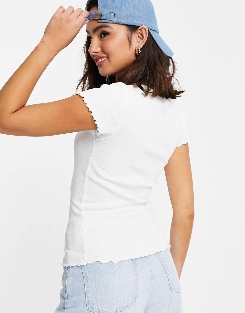 """<p><a href=""""asos.com/us/new-look/new-look-lettuce-edge-t-shirt-in-white/prd/24078569"""" class=""""link rapid-noclick-resp"""" data-ylk=""""slk:New Look Lettuce Edge T-Shirt"""">New Look Lettuce Edge T-Shirt</a> ($14)</p>"""