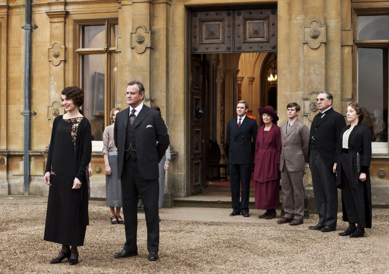 Lady Mary copes with grief, suitors in 'Downton'