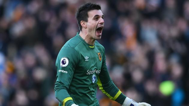 Leicester City sign Jakupovic from relegated Hull