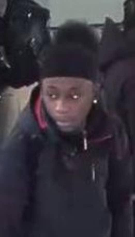 The Met want to identify these people (BTP)