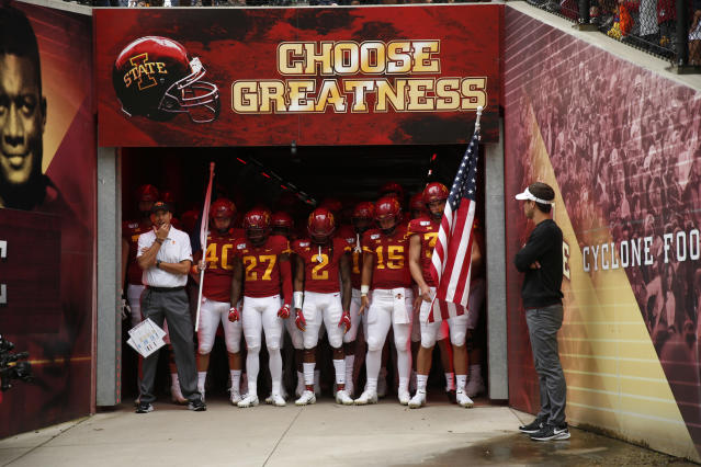 """Iowa State fan <a class=""""link rapid-noclick-resp"""" href=""""/ncaaf/players/294239/"""" data-ylk=""""slk:Carson King"""">Carson King</a> got scores of donations when his beer money sign appeared on """"College GameDay,"""" and he's donating almost all of it to a children's hospital. (Photo by David K Purdy/Getty Images)"""