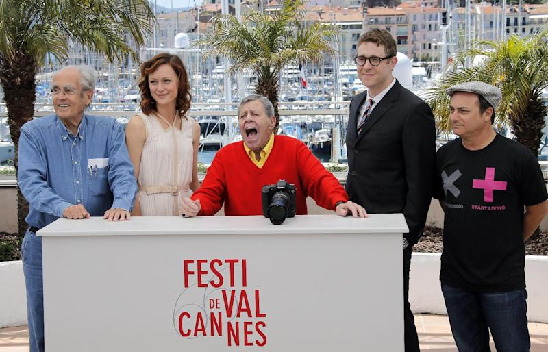 From left, musician Michel Legrand, actress Kerry Bishe, comedian Jerry Lewis, director Daniel Noah and actor Kevin Pollak pose during a photo call for the film Max Rose at the 66th international film festival, in Cannes, southern France, Thursday, May 23, 2013. (AP Photo/Lionel Cironneau)
