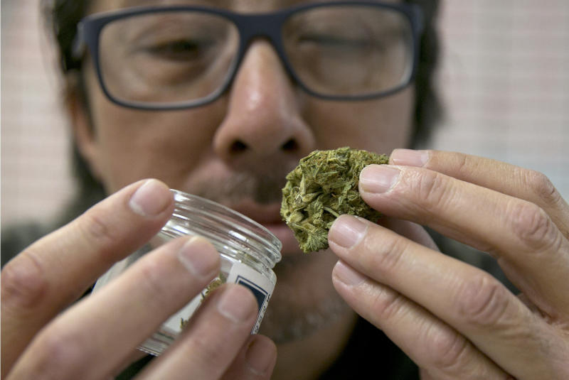 Lawmakers Prepare Overhaul Of Recreational Marijuana Bill