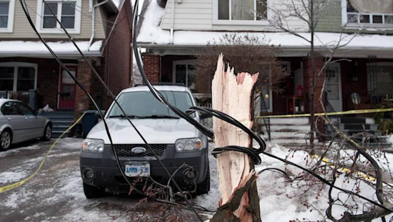 Premier asks ice storm-affected Ontarians for calm