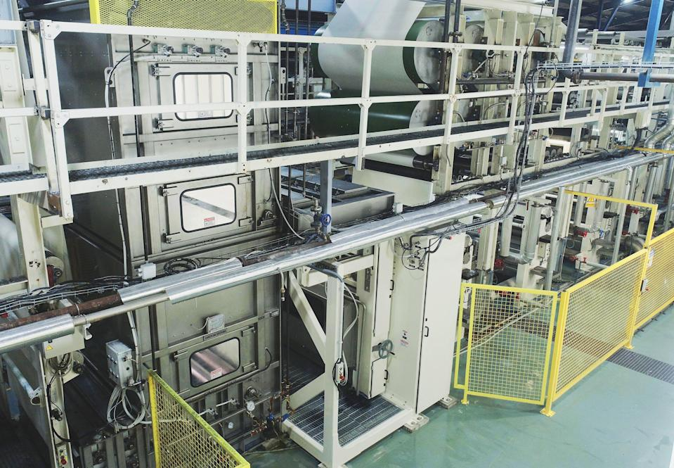 The foam-dyeing machine takes up less space than one used for traditional dyeing, which also makes it more energy-efficient, according to Tejidos Royo.