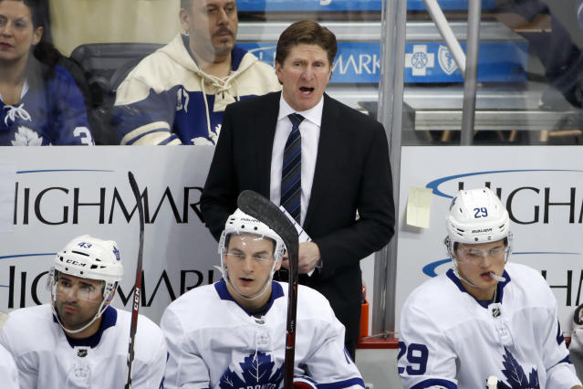 Toronto Maple Leafs head coach Mike Babcock is upset and confused with the goaltender interference rule, like everybody else. (AP Photo/Gene J. Puskar)