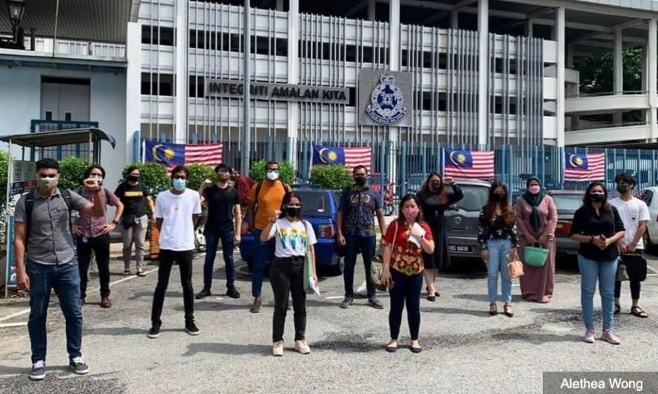 Reports against police - lawyers, vigil participants called up for questioning