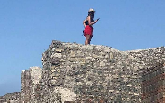 The tourist climbed onto the walls of Pompeii's thermal baths  - Antonio Irlando Facebook