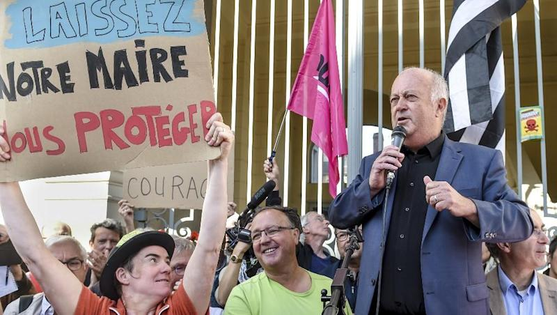 France to propose pesticide-free buffer zones in residential areas