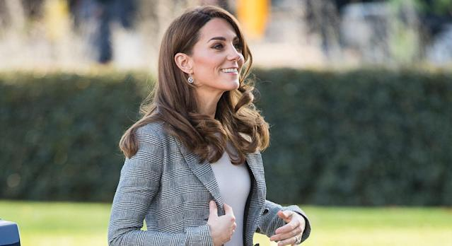 Kate arrived at Shout's Crisis Volunteer celebration event in the perfect autumnal workwear outfit. [Photo: Getty]