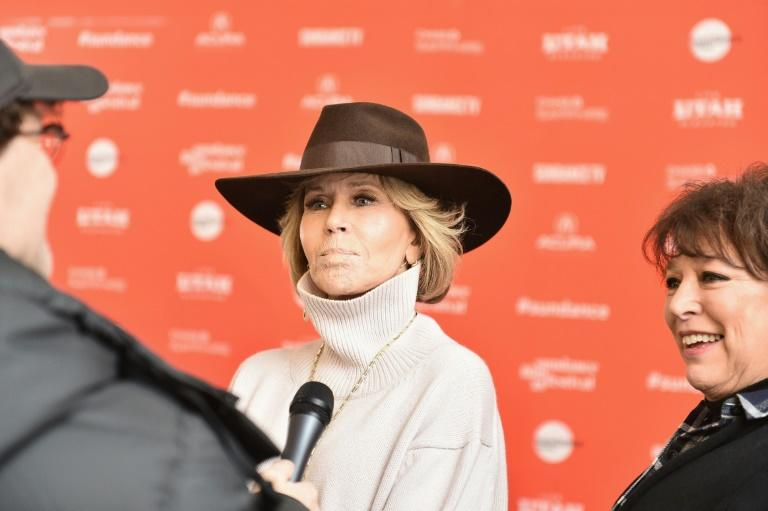 Since bursting into the American consciousness in the 1960s, Jane Fonda has lived a life of controversy, tragedy, and self-discovery -- all in the public eye