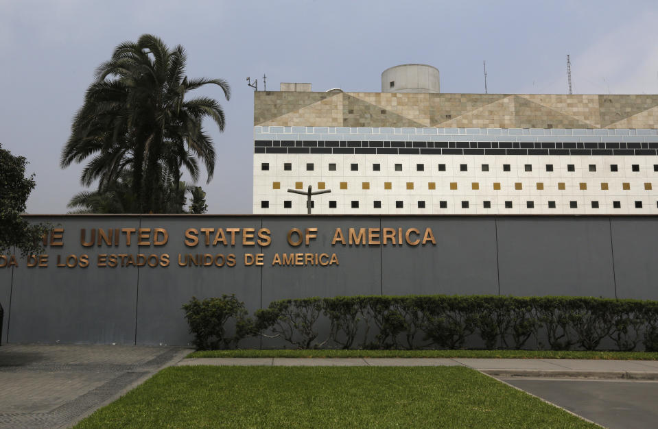 A view of the Embassy of the United States in Lima October 3, 2014. According to a press release from the U.S. Embassy in Lima, the embassy in 2013 had issued almost 84,000 nonimmigrant visas and more than 5,100 immigrant visas to residents of Peru. REUTERS/Mariana Bazo (PERU - Tags: POLITICS SOCIETY IMMIGRATION)