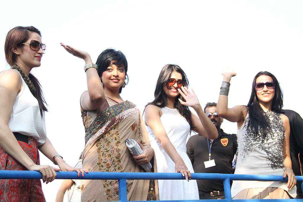 A Bollywood float with a bevy of beauties participated in the Goa Carnival for the first time. This one features starlets Neha Dhupia, Tanushree Dutta, Sagarika Ghatge and Sayali Bhagat.