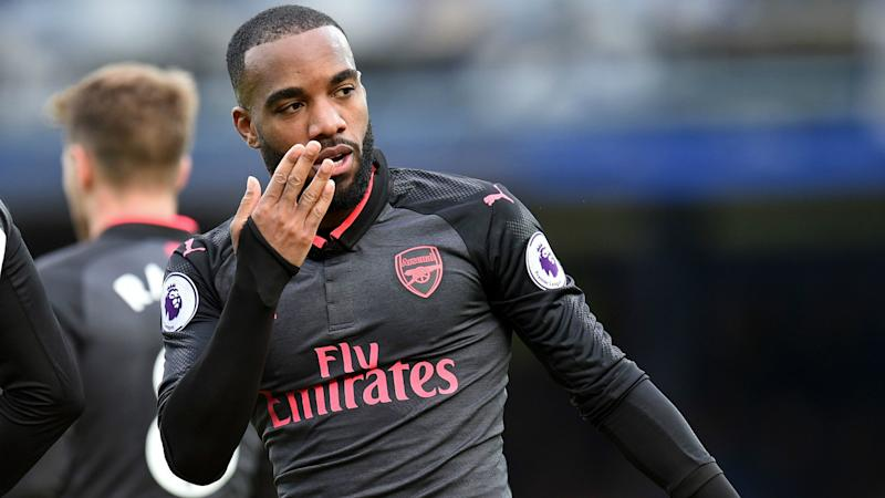 Arsene Wenger sends wrong message by benching Alexandre Lacazette