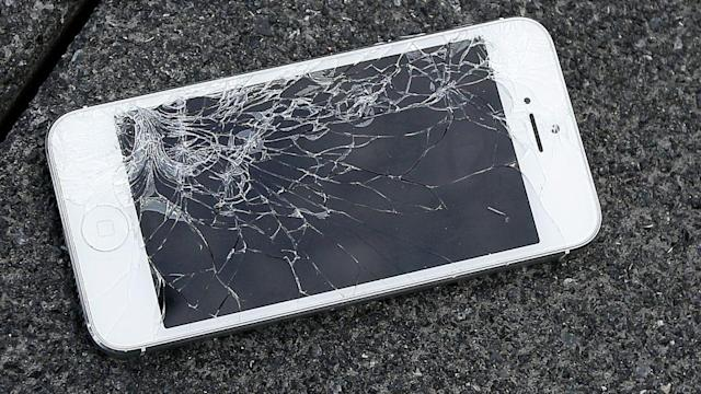 Broken iPhone screens have always been a nightmare for their owners. Now Apple has finally shown off the process by which they repair the phones