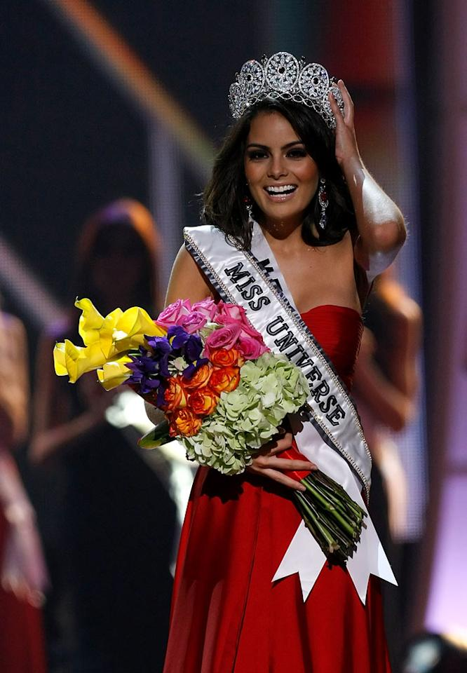 Jimena Navarrete, Miss Mexico, of Guadalajara, is crowned Miss Universe 2010 and becomes the 59th Miss Universe.