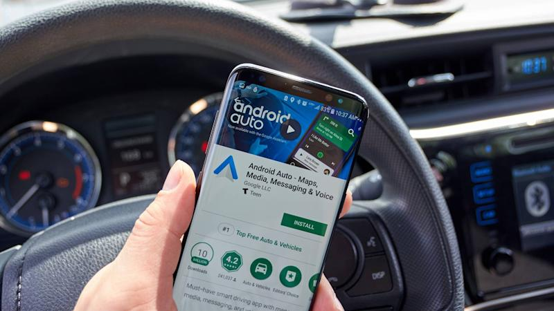 Google Android Auto On A Cell Phone In Car