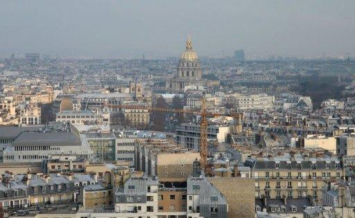 France must hit deficit target and more by 2014: EU sources