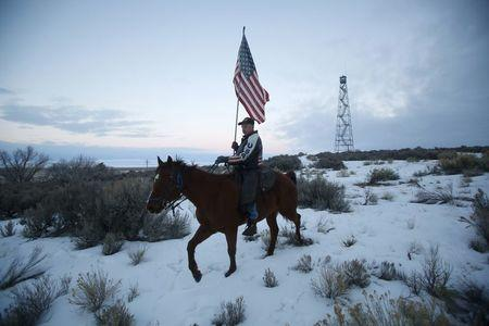 Occupier Duane Ehmer rides his horse Hellboy at Malheur National Wildlife Refuge near Burns, Oregon, January 7, 2016. REUTERS/Jim Urquhart/File Photo