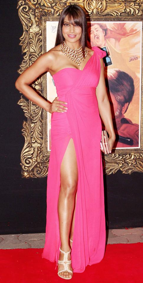 Bipasha puts her best foot forward in this pink one shoulder number.