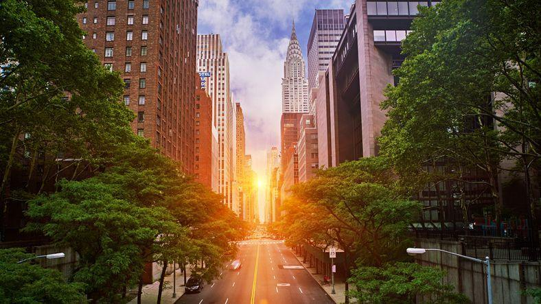 <p>Twice a year the sun aligns perfectly with the New York City skyline to create Manhattanhenge.</p>