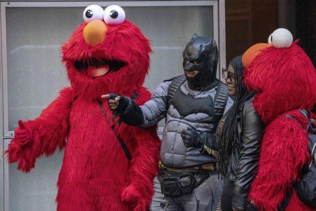 Unmasked: costume capers stir New York's Times Square