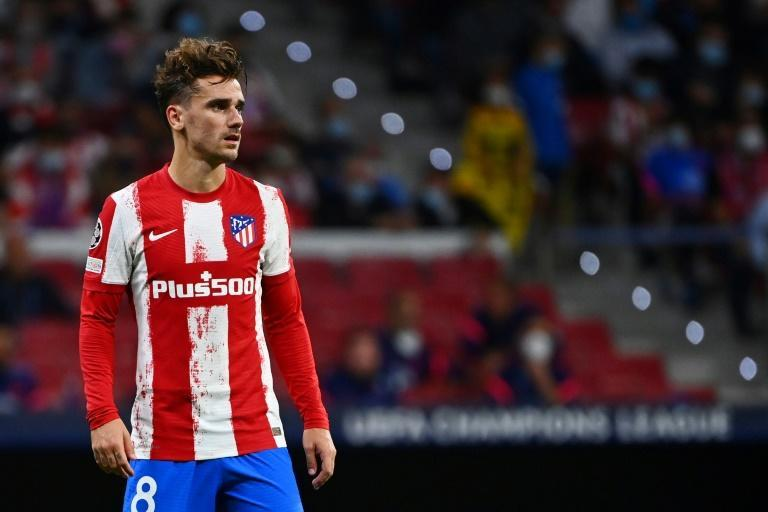 Antoine Griezmann was disappointing again as Atletico Madrid lost to Alaves in La Liga on Saturday. (AFP/GABRIEL BOUYS)
