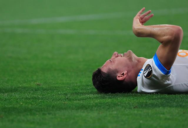Soccer Football - Europa League Final - Olympique de Marseille vs Atletico Madrid - Groupama Stadium, Lyon, France - May 16, 2018 Marseille's Florian Thauvin reacts after sustaining an injury REUTERS/Gonzalo Fuentes