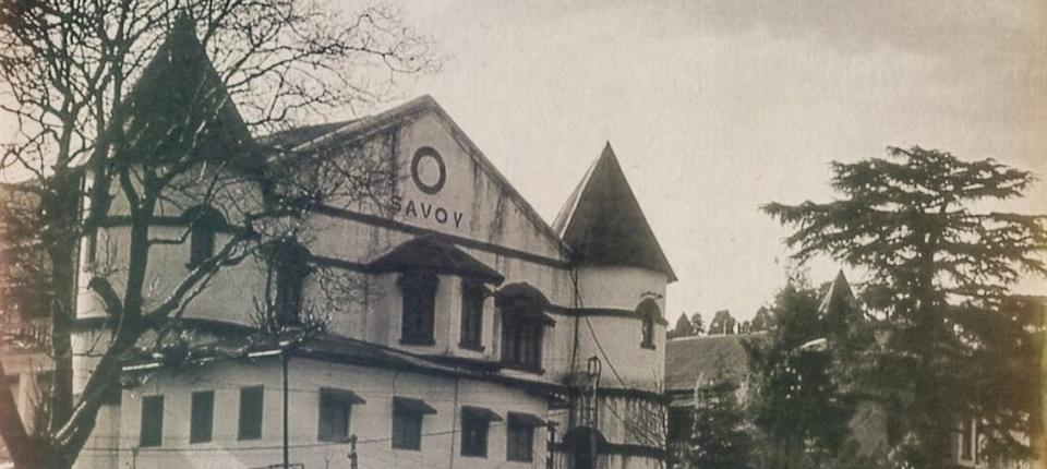 In March 1906, the Princess of Wales (later Queen Mary) stayed here and attended a garden party on the Savoy grounds, the place is known as the Beer Garden