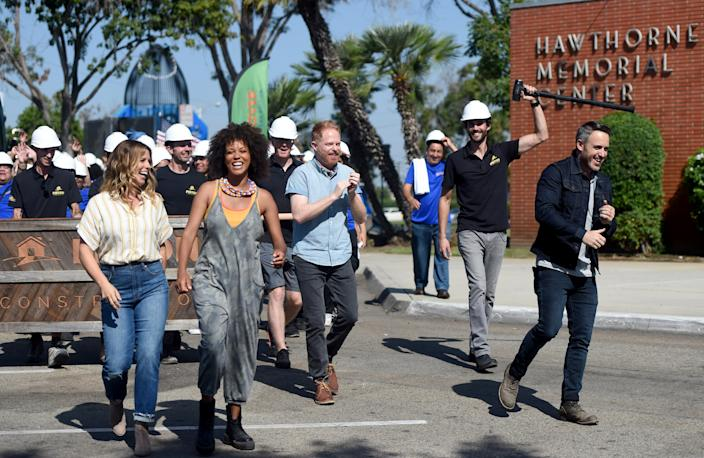 "<h1 class=""title"">Extreme Makeover: Home Edition makes a television comeback on the HGTV network</h1> <div class=""caption""> The cast of <em>Extreme Makeover: Home Edition</em> filming an episode in Hawthorne, California. </div> <cite class=""credit"">Photo: Brittany Murray/MediaNews Group/Long Beach Press-Telegram via Getty Images</cite>"