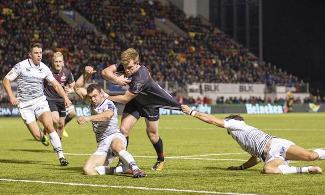 """<span class=""""element-image__caption"""">Nick Tompkins goes over for the fifth Saracens try, which gave them a nine-point advantage Ospreys could only cut to two.</span> <span class=""""element-image__credit"""">Photograph: Matthew Impey/REX/Shutterstock</span>"""