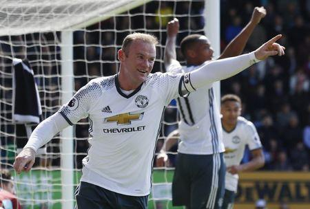Manchester United's Wayne Rooney celebrates scoring their second goal