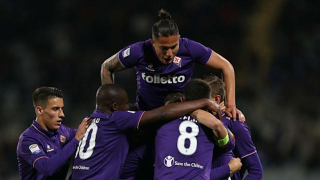 Despite Mauro Icardi's hat-trick, Inter followed up their draw in the Milan derby with a dramatic 5-4 defeat to Fiorentina in Serie A.